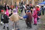 Halloween na nádvoří zámku v Plumlově.