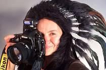 Známá fotografka celebrit Lenka Hatašová přiveze svou výstavu V jiném světle i do Prostějova, kde svá díla představí v Galerii U Hanáka. Na fotografii Lenka Hatašová.