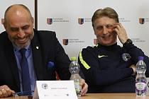 Předseda 1. SK Prostějov František Jura a trenér Oldřich Machala