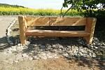 Vyhlídkové místo s lavičkou u Ptení (výstavba a konečná podoba)