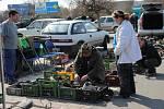 Tradiční motoristická burza na parkovišti u prostějovského Tesca
