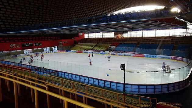 Zimní stadion v Prostějově rozjíždí provoz. 21.7.2020