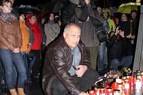 Připomínka výročí 17. listopadu na náměstí v Prostějově