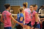 Prostějovské volejbalistky (v růžovém) prohrály s Albou Blaj 0:3 a v CEV Cupu končí. Foto: Radek Hloch