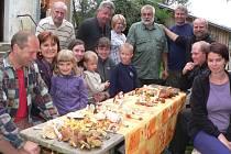 Při setkání nad houbami vládla až rodinná atmosféra.