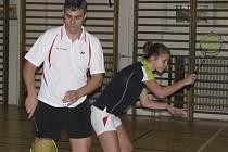 Zaslouženými vítězi šestatřicátého ročníku turnaje Vánočních mixů se stala příbuzenská dvojice strýce a neteře Michala a Michaely Koudelkových.