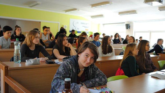 Krumlovští studenti vymýšlejí, jak zpomalit turismus.