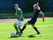 Fotbalová příprava: FK Slavoj Český Krumlov (zelené dresy) - TJ Olešník 1:2 (0:1).