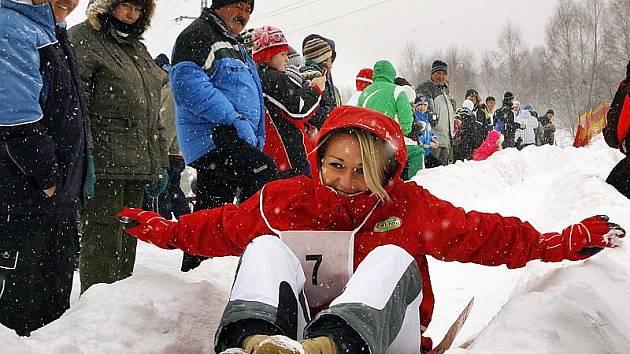 Mistrovství světa v jízdě na ruských bobech na kopci Marta ve Frymburku.