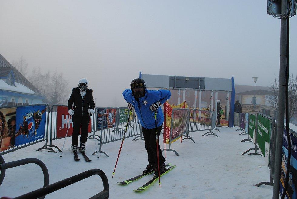 Prvním lyžařem zimní sezóny 2020/21 na Lipně byl Bohumil Stašek z Českých Budějovic.