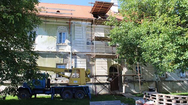 Na řadě, co se týká oprav, je nyní ve vyšebrodském klášteře bývalá konírna.