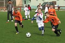 OP starší přípravky – 12. kolo: FK Spartak Kaplice (oranžové dresy) – FC Velešín 10:5 (5:0).