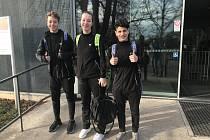 Trojlístek krumlovských žáků (zleva) Robin Tancer, Barbora Kortusová a Kristián Kuzdas na celostátním turnaji v Pardubicích.