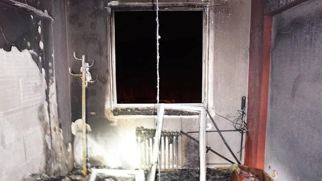 Hořelo v bytě v 6. patře v bývalém učilišti ve Větřní.
