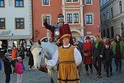 Svatý Martin v Českém Krumlově otevřel první mladé víno.