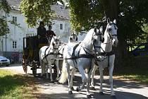 Historický poštovní dostavník vyrazil v sobotu z Vyššího Brodu do Bad Leonfeldenu.