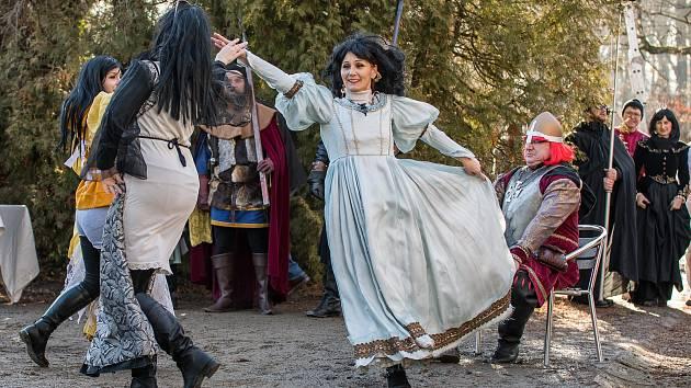 Krumlovské uskupení Proradost pobavilo diváky pohádkou Princezna se zlatou hvězdou.