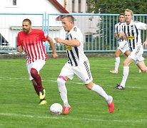 Select OS muži - 4. kolo: Romo Český Krumlov (červenobílé dresy) - Spartak Kaplice B 1:17 (1:7).