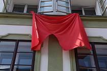 V Krumlově zavlály červené trenýrky, hlavně jako výraz nesouhlasu s mlčením prezidenta Zemana k srpnu 1968.
