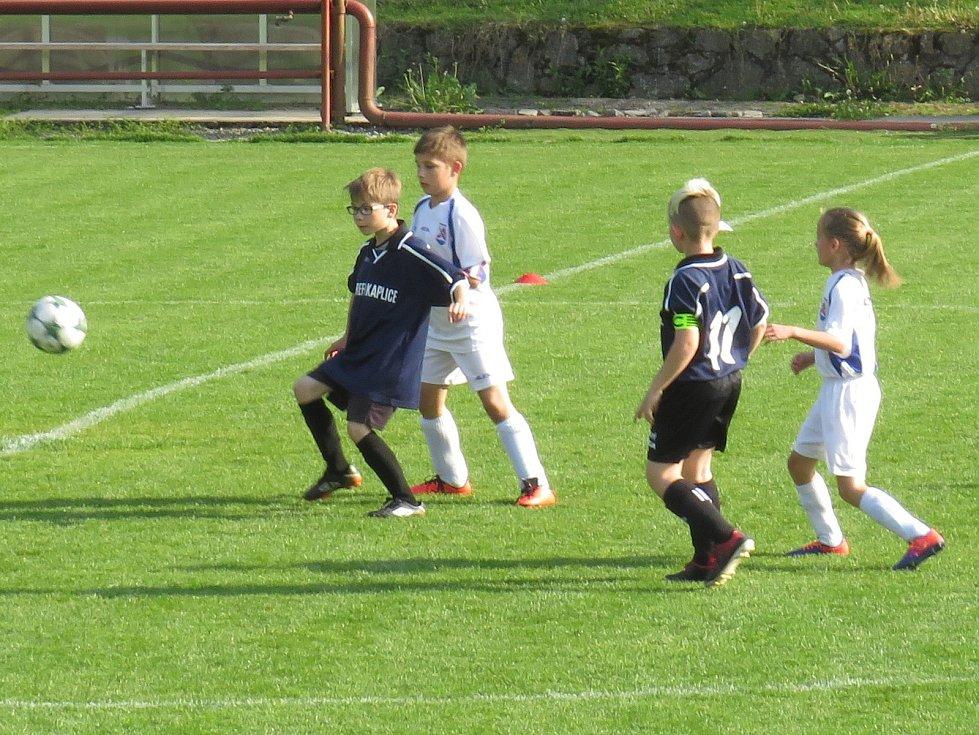 OP starší přípravky – 19. kolo: FK Spartak Kaplice (modré dresy) – Vltavan Loučovice 5:2 (3:2).