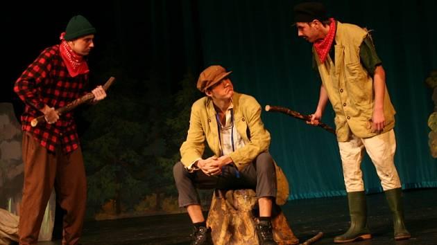 O postup do celostátního finále festivalu Prima sezóna v Náchodě se popral i Divadelní soubor Múzika ze Sezimova Ústí s pohádkou Strašidla z černého lesa.