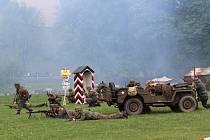 Lítá bitva se strhla ve dvě hodiny v Jelence, na Němce střežící hranici protektorátu zaútočili američtí a ruští vojáci.