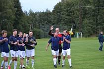 Malontští gólem z poslední minuty vyhráli v Křemži a mohou se těšit z udržení postu lídra přeboru. V příštím kole je na programu zápas podzimu, v němž Hraničář přivítá druhé Chvalšiny.