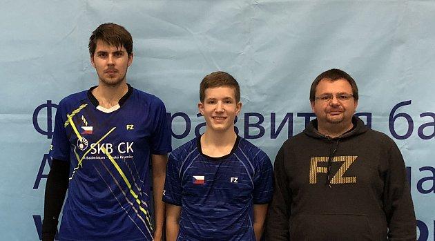 Hlavní trenér a předseda klubu Radek Votava s hráči Jaromírem Janáčkem a Tomášem Švejdou v ruské Gatchině.