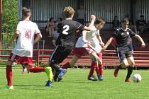 KP starší žáci – 24. kolo: FK Spartak Kaplice (černé dresy) – TJ Lokomotiva České Budějovice 1:1 (1:0), na penalty 4:5.