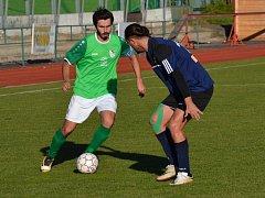 Ondrášovka KP muži - 8. kolo: FK Slavoj Český Krumlov (zelené dresy) - TJ Dražice 3:0 (2:0).