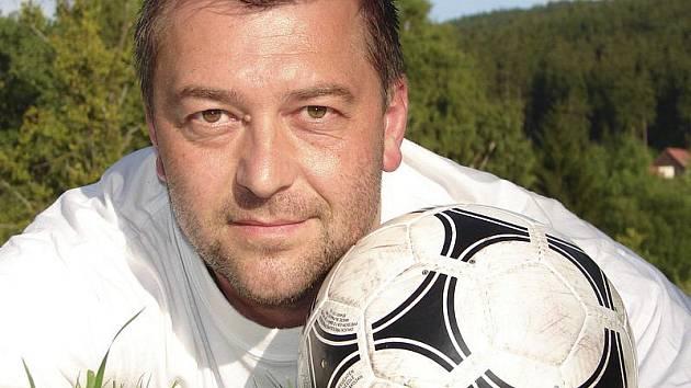 Glosátor vybraných zápasů týmů z okresu v podzimní části sezony 11/12 - frymburský hráč Václav Tomka.