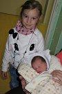 Valerie Turoňová z Dolního Třebonína na svět dost pospíchala. Ocitla se na něm 7. dubna v 5.21 hodin. Vážila 3,44 kg a měřila 50 cm. Kromě tatínka Davida, který si porod nenechal ujít, se na miminko těšila i čtyřletá Laurinka.