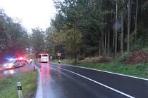Cyklista nepřežil srážku s autobusem.