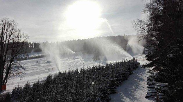V pátek na Lipně počasí na lyže nic moc, o víkendu už ale bylo jako na objednávku.