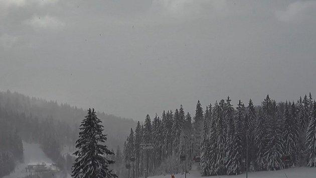 Svahy na jihu Čech dál lákají k jarní lyžovačce