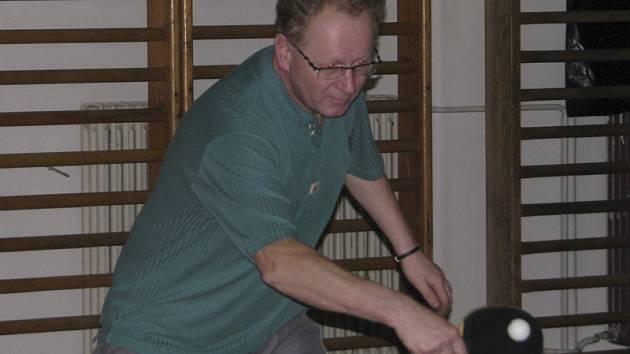 Sedmi body přispěl v krajské soutěži ke dvěma domácím výhrám áčka Křemže zkušený Jan Hůlka.