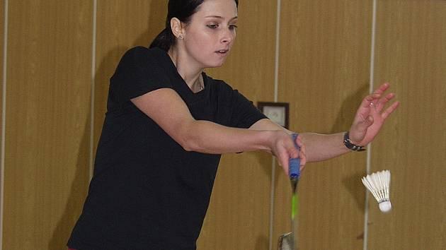 Suverénně nejúspěšnějším zástupcem Sokola Křemže na vodňanském turnaji byla Marie Maznová, která s přehledem vyhrála dvouhru žen a přidala ještě stříbro v deblu a bronz v mixu.