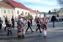 Masopustně poveselit místní přijeli v sobotu do Horního Dvořiště členové Masopustního sdružení v Dolním Dvořišti.