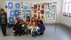 Děti z Praktické základní školy v Horní Plané vystavují své práce v KIC H. Planá.