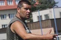 I přes prohru byl asistent trenéra krumlovského Slavoje Zdeněk Šváb mladší (na snímku) s předvedeným výkonem proti divizní Třeboni spokojen.