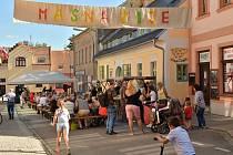 Slavnost Masná žije! už po třetí pořádá majitelka kavárny v Kaplici. Slouží tamním podnikům k prezentaci a setkávání sousedů.