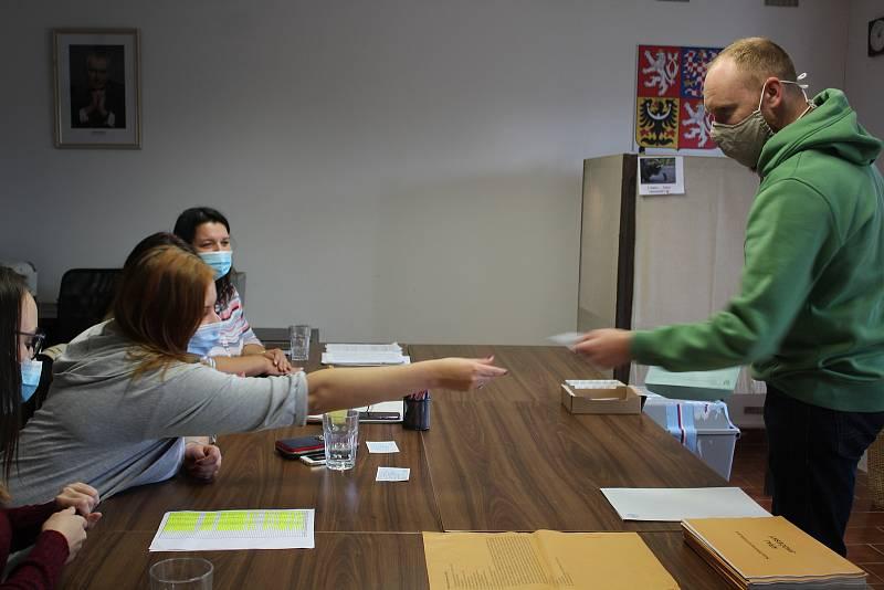 Volby v obci Chlumec.