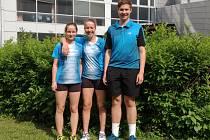 Linda Šmikmátorová, Barbora Kortusová a Adam Ječmínek (zleva) na celostátním turnaji U17 v Orlové.