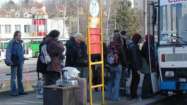 Autobusové nádraží v Č. Krumlově je ostudou města