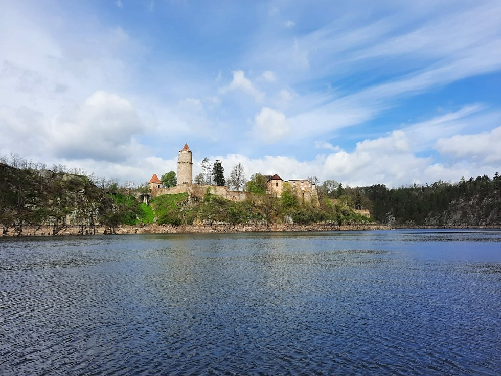 Po stopách vltavských plavců 2021: hrad Zvíkov.