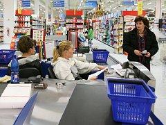 Na volné svátky se nejvíc těší prodavačky, které mají doma malé děti.