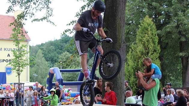 Na Mariánské pouti můžete například vidět ukázky umění biketrialistů.