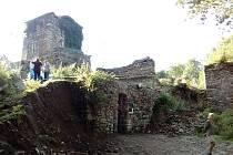 Pasovarské tvrzení u tvrze v zaniklé osadě Pasovary.