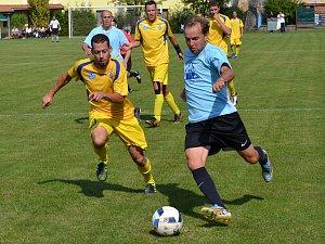 V derby mezi Zlatou Korunou a Loučovicemi se na podzim body dělily (u míče zlatokorunský Vít Ohnsorg). Na jaře však nováček ještě nebodoval a v odvetě je tak jasným favoritem Vltavan.