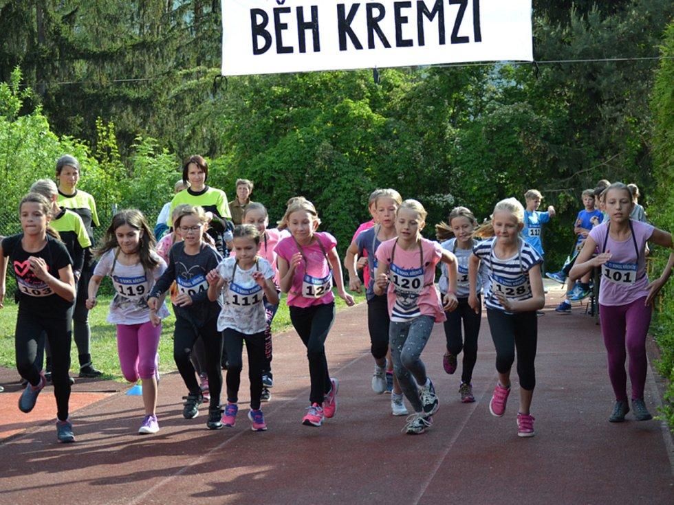 Na start jubilejního Večerního běhu Křemží se postavilo 126 atletů od nejmenších předškolních dětí až po veterány.